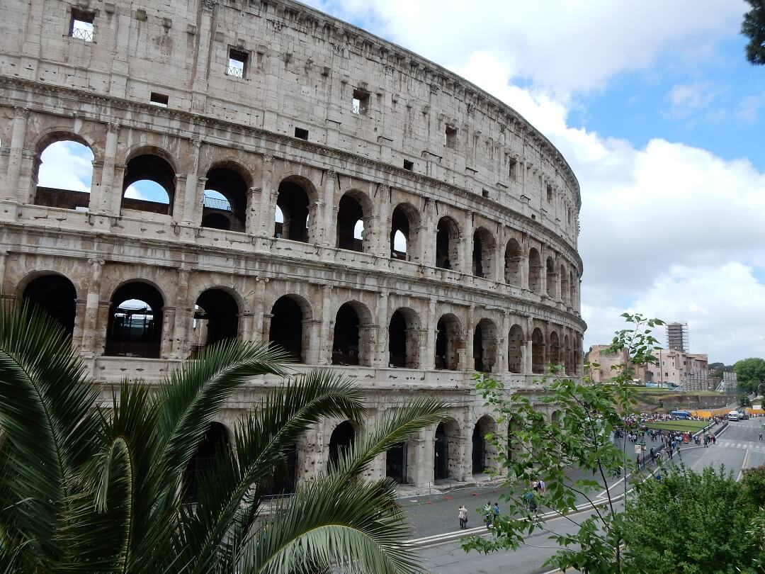Interrail reservations in Italy - Rome Colosseum
