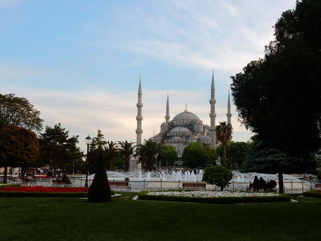 Istanbul by train - The Blue Mosque