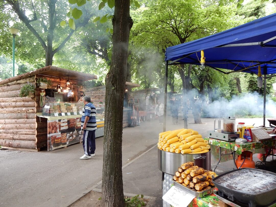 Interrail reservations in Romania - Street market