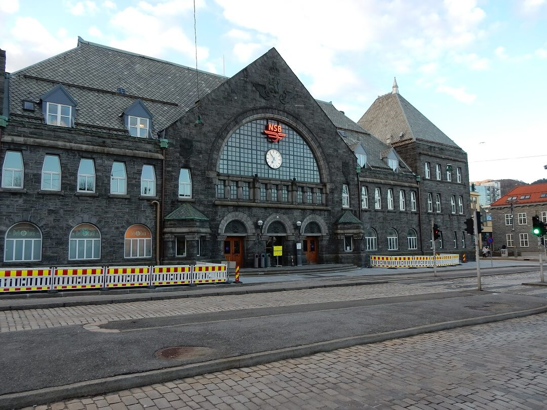 Night-Trains in Norway - Railway station Bergen