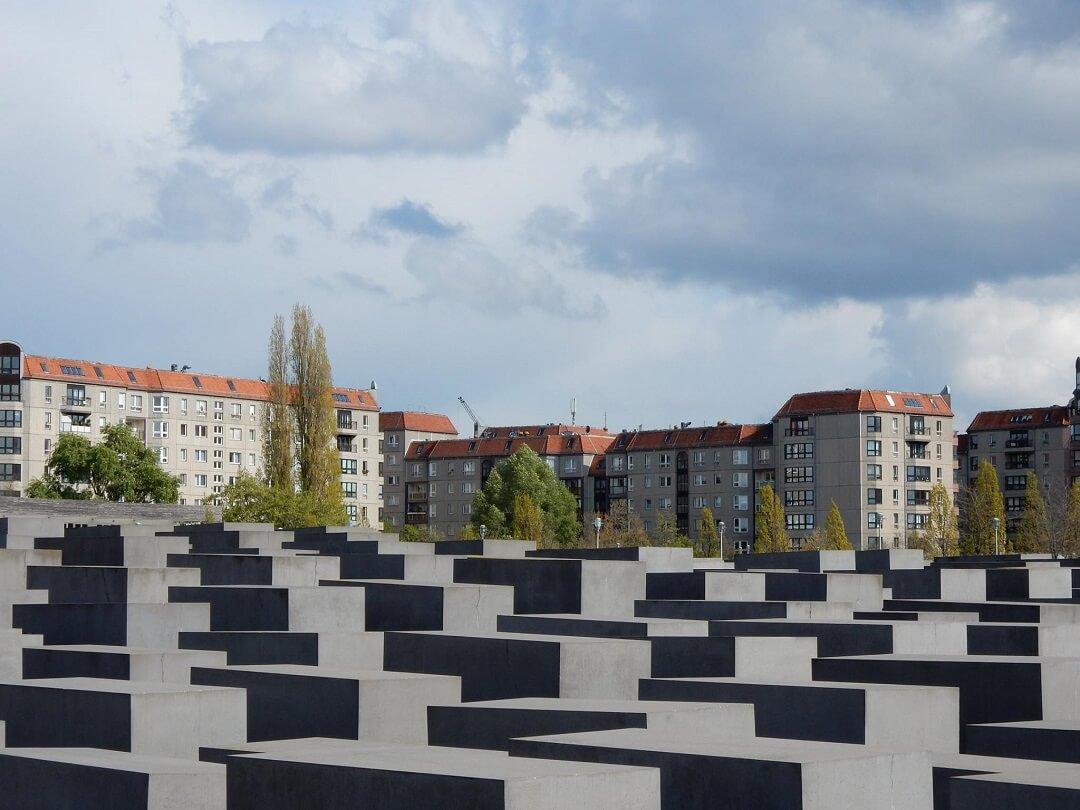 Berlin by train - WWII memorial in Berlin