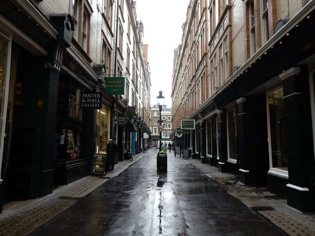 London by train - Cecile Coart, the inspiration for Diagon Alley in Harry Potter