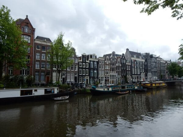 Amsterdam by train - Amsterdams Architecture