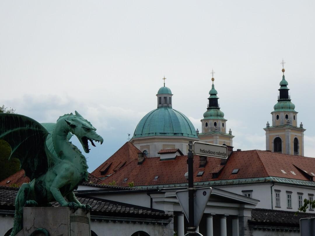 Night-Trains in Slovenia - Dragons guarding Ljubljana