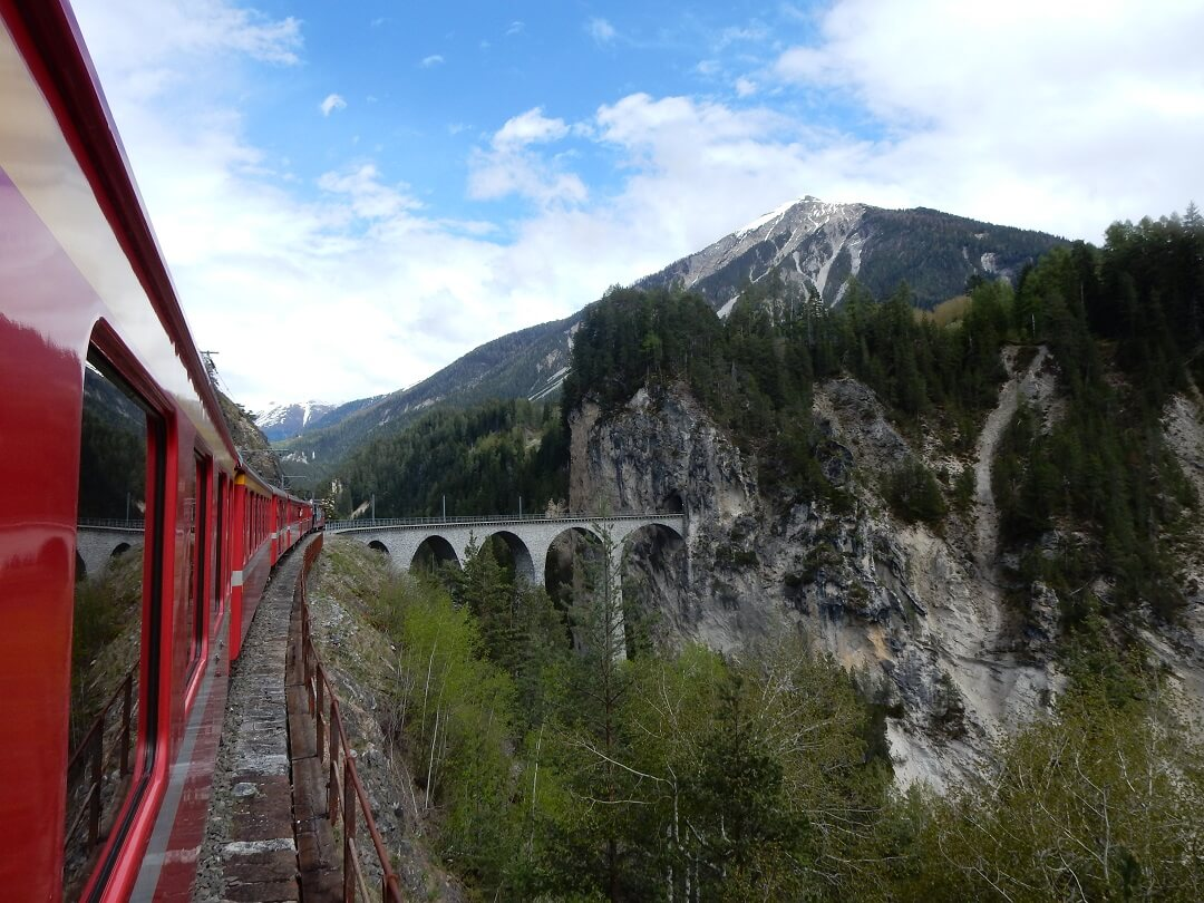 Booking accomodation - Everyone should experience the Bernina Express & Glacier Express