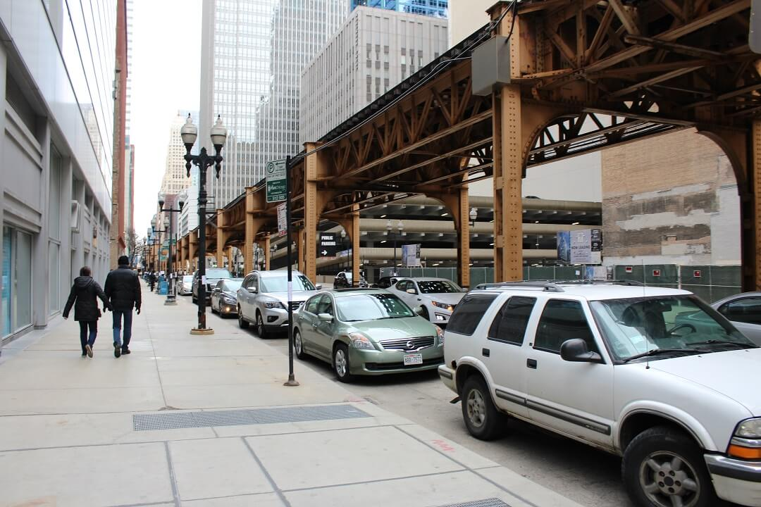 Chicago by train - With lack of space, just construct above the road