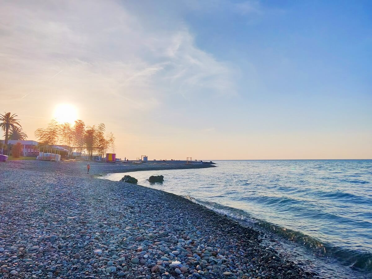 Top 10 must-knows of Georgia - Batumi's beach