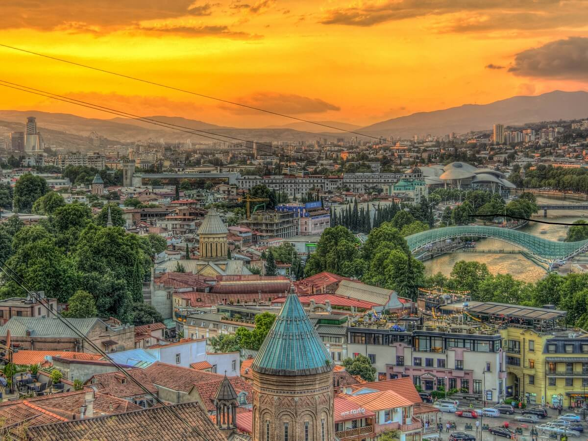 Top 10 things to do in Tbilisi - Experience this amazing city - Photo by Neil Sengupta on Unsplash