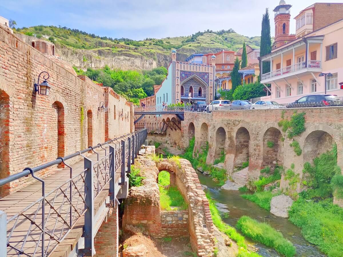 Traveling in Georgia - Sulphur Bathhouses of Tbilisi