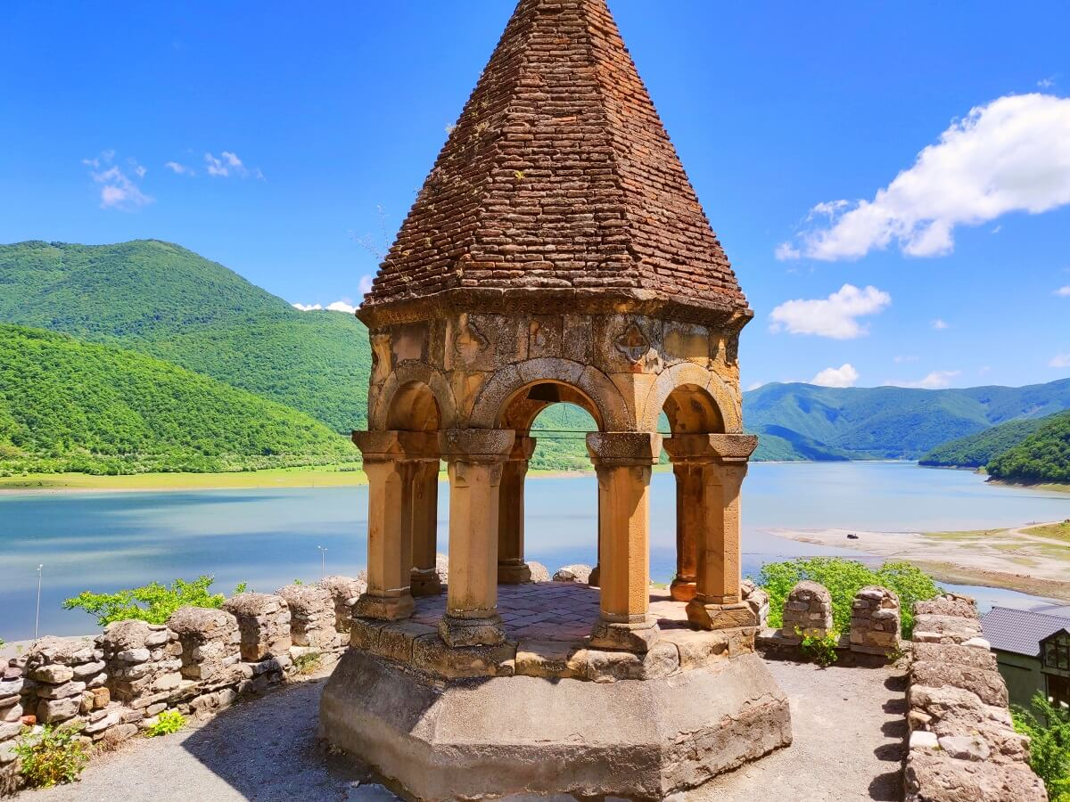Top 5 things to see in Georgia - Ananuri Viewpoint