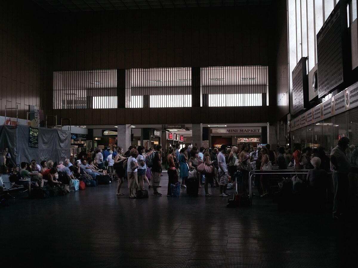 Night Trains in Greece - Thessaloniki train station - Nicolas Vigier - http://bit.ly/39tiFfH