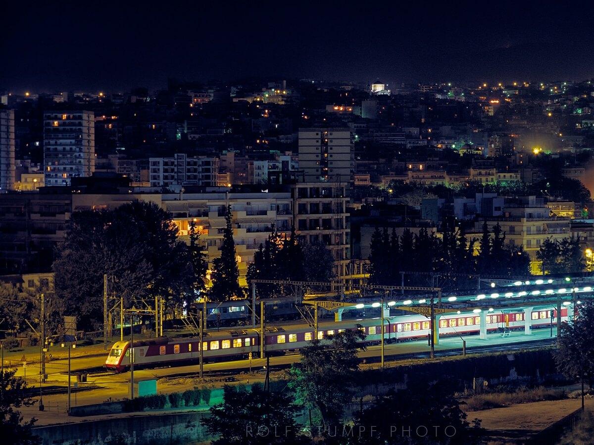 Night Trains in Macedonia - Night over Thessaloniki station - Rolf Stumpf - http://bit.ly/39xoOaO