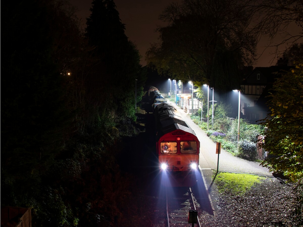 Night Trains in The United Kingdom - Night time on the Coryton branch - Jeremy Segrott - http://bit.ly/31YV83P